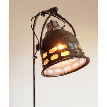 vintage-american-midical-mirakal-ray-lamp-1940s